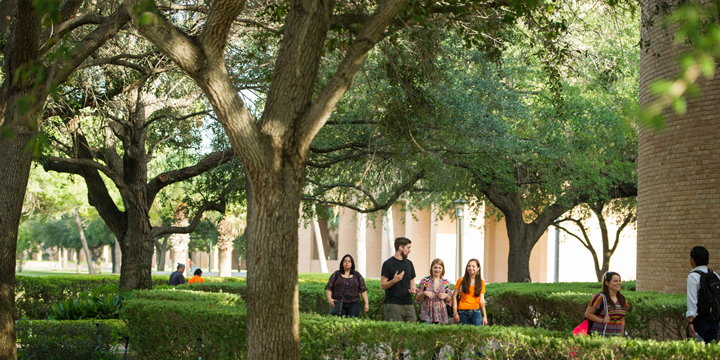 Students enjoying visiting the UTRGV campuses