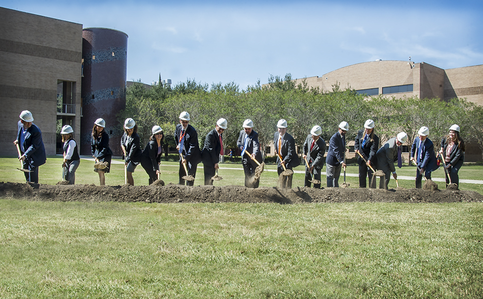 UTRGV held a ceremonial groundbreaking on a $70 million Science Research Building