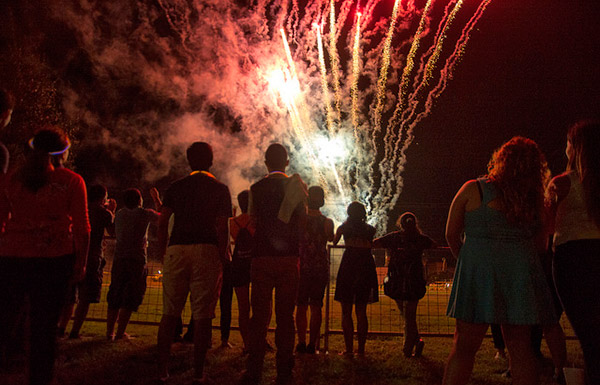 The Stomp, fireworks highlight close of UTRGV's first day