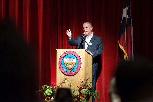 Image of Texas Secretary of State Cascos visits UTRGV