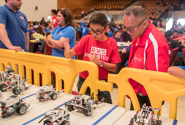 Image of AT&T, UTRGV help students share their expertise during Robotics Showcase