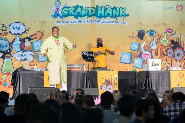 Grand Hank the Hip-Hop Scientist rocks the house on Student Leadership Day