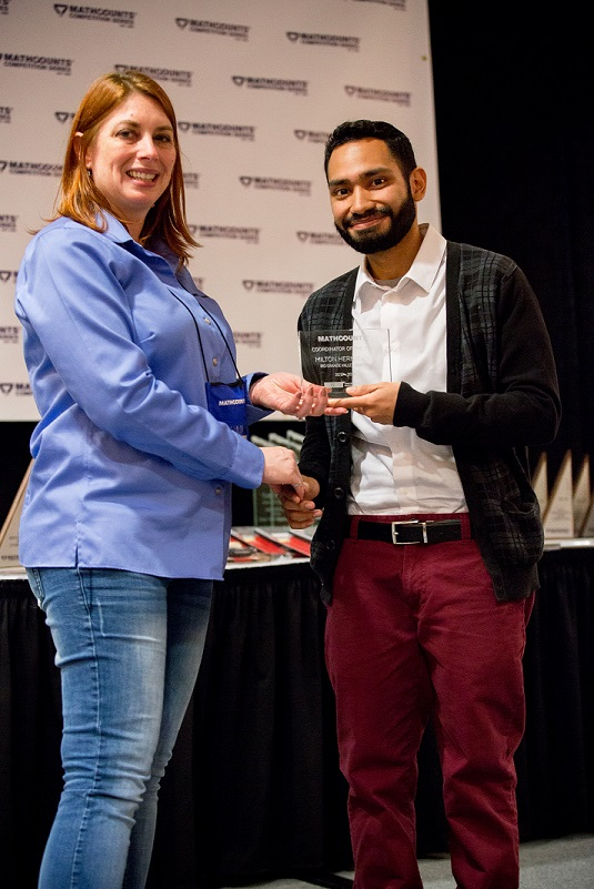 Hernandez, UTRGV program coordinator, given top honor from Texas MATHCOUNTS