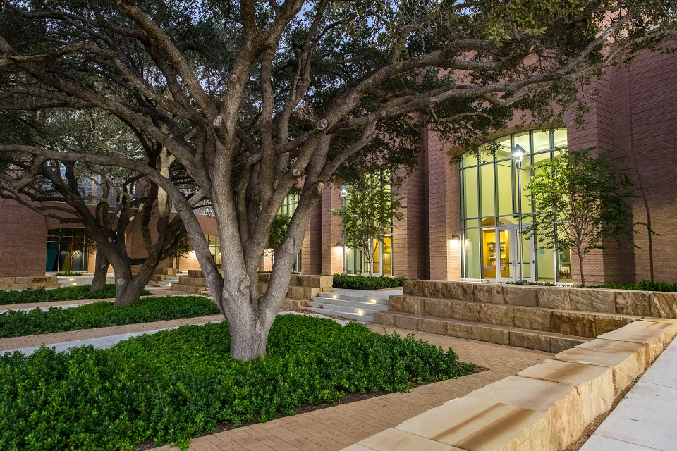 Myles and Sylvia Aaronson Library, School of Medicine. (UTRGV Photo by David Pike)